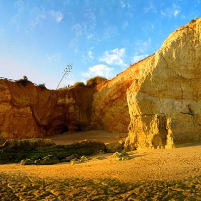 Rocks between Praia da Rocha & Praia do Vau
